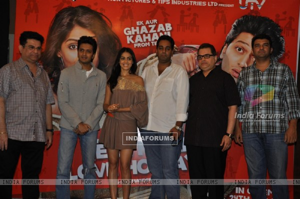 Ritesh Deshmukh & Genelia Dsouza during the music launch of film Tere Naam Love Ho Gaya in Mumbai (180357)
