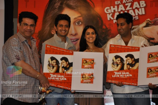 Ritesh Deshmukh & Genelia Dsouza during the music launch of film Tere Naam Love Ho Gaya in Mumbai (180361)