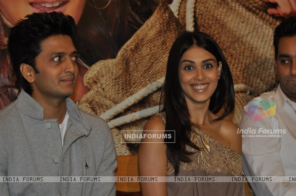 Ritesh Deshmukh & Genelia Dsouza during the music launch of film Tere Naam Love Ho Gaya in Mumbai (180363)