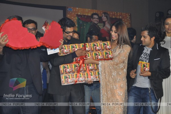Bipasha, R. Madhavan, Omi Vaidya at Music launch of movie 'Jodi Breakers' at Goregaon (180426)