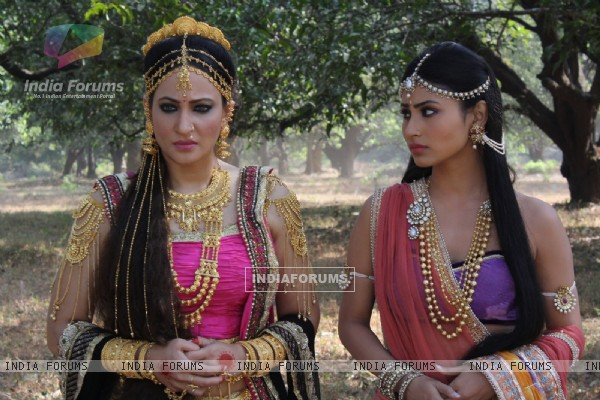 Still image of Sati & Madinike in Devon Ke Dev. Mahadev