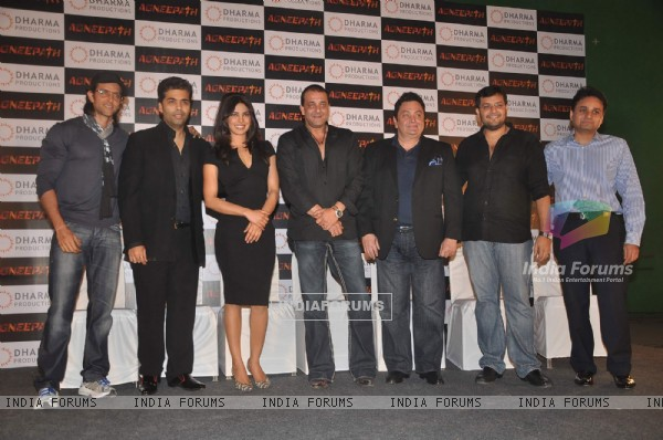 Hrithik, Karan Johar, Sanjay Dutt, Rishi Kapoor and Priyanka at Success party of movie 'Agneepath'