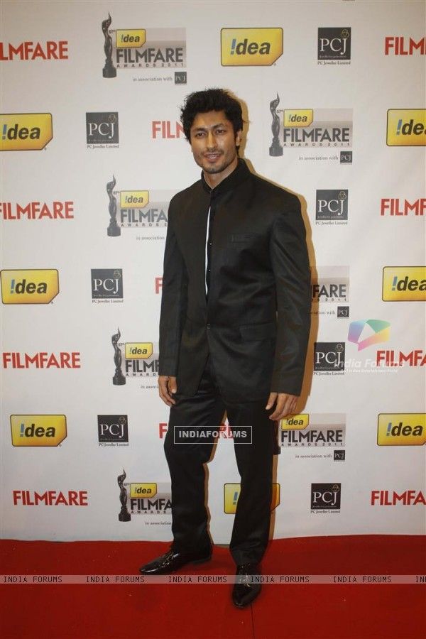 Vidyut Jamwal at 57th Idea Filmfare Awards 2011