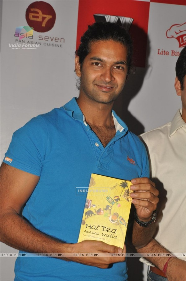 Purab Kohli will be launching and releasing Rishad Saam Mehta's book 'Hot Tea Across India'