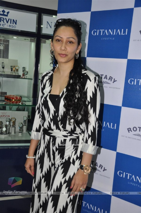 Manyata Dutt launches the iconic Swiss brand Rotary watches at Atria Mall