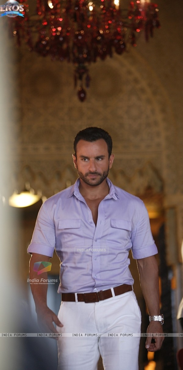 Saif Ali Khan as Vinod in the movie Agent Vinod (181825)