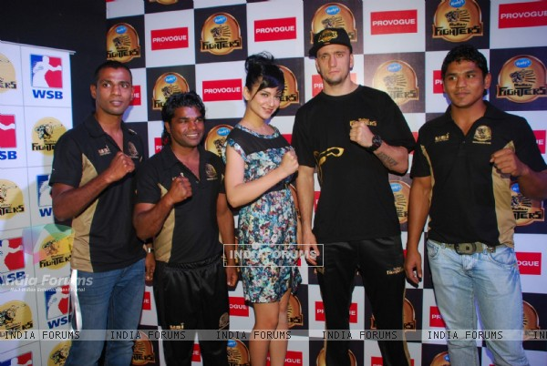 Kangna Ranaut at Venky's Mumbai Fighters and Bangkok Elephants match held in Inorbit Mall