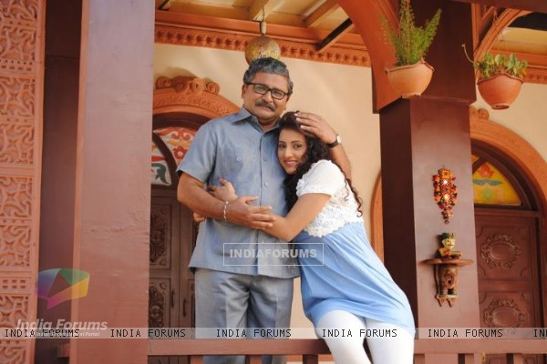Additi Gupta and Arun Nalawade in the show Zindagi Kahe - Smile Please