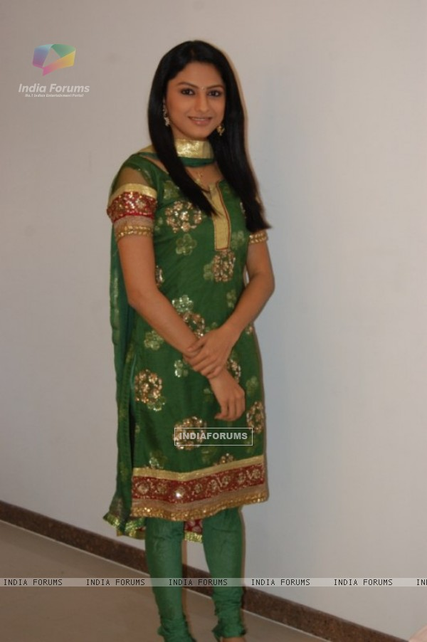 Rucha Hasabnis as Rashi in Saath Nibhana Saathiya