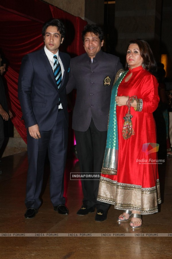 Shekhar Suman with wife & son Adhyayan at Ritesh Deshmukh & Genelia Dsouza wedding reception in Mumb