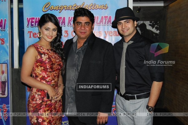 Rajan Shahi with Hina & Karan at Ye Rishta Kya Kehlata Hai 800 episodes celebration Party in Mumbai
