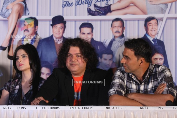 Sajid, Akshay & Zarine Khan at First look launch of 'Housefull 2'