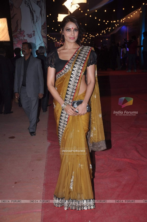 Bipasha Basu at Max Stardust Awards 2012 at Bhavans College Grounds in Mumbai