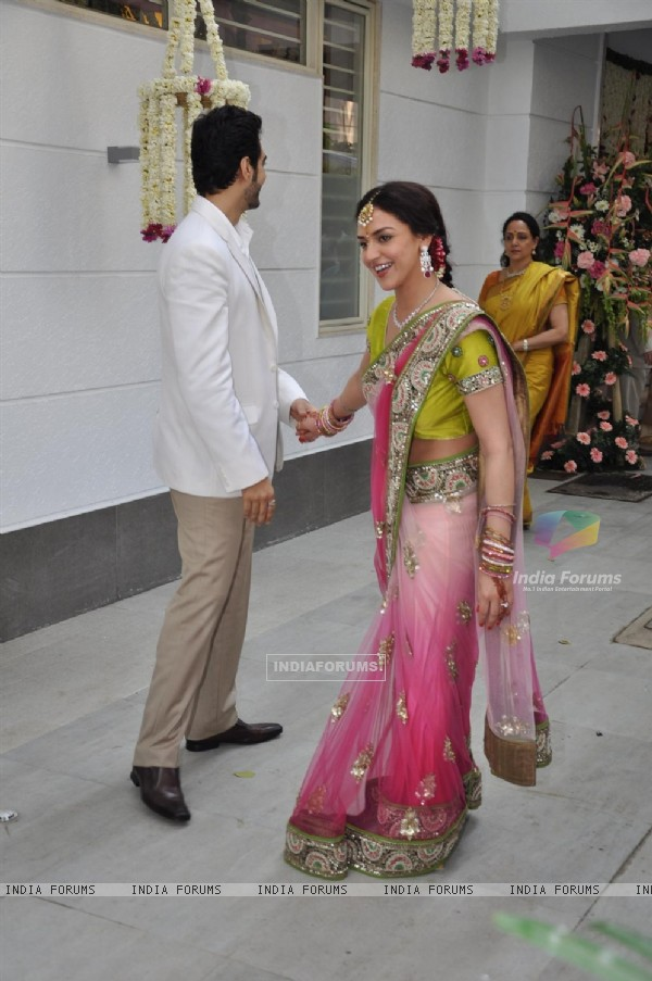 Bollywood actress Esha Deol got engaged to her boyfriend Bharat ...