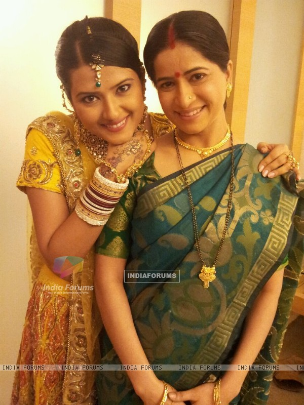 Kratika Sengar with onscreen saas