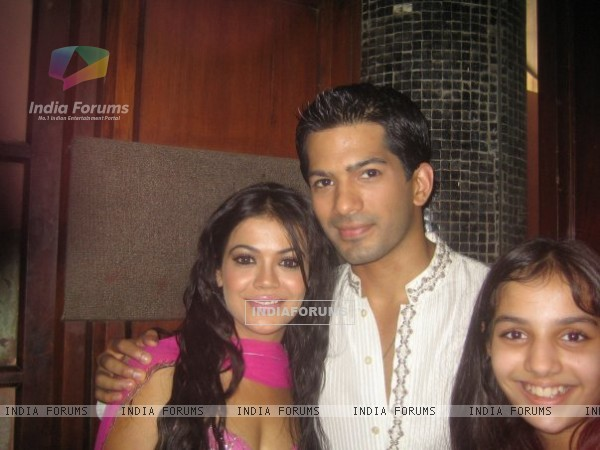 Amit Tandon and Shweta Gulati photo from the sets of Dill Mill Gayye.
