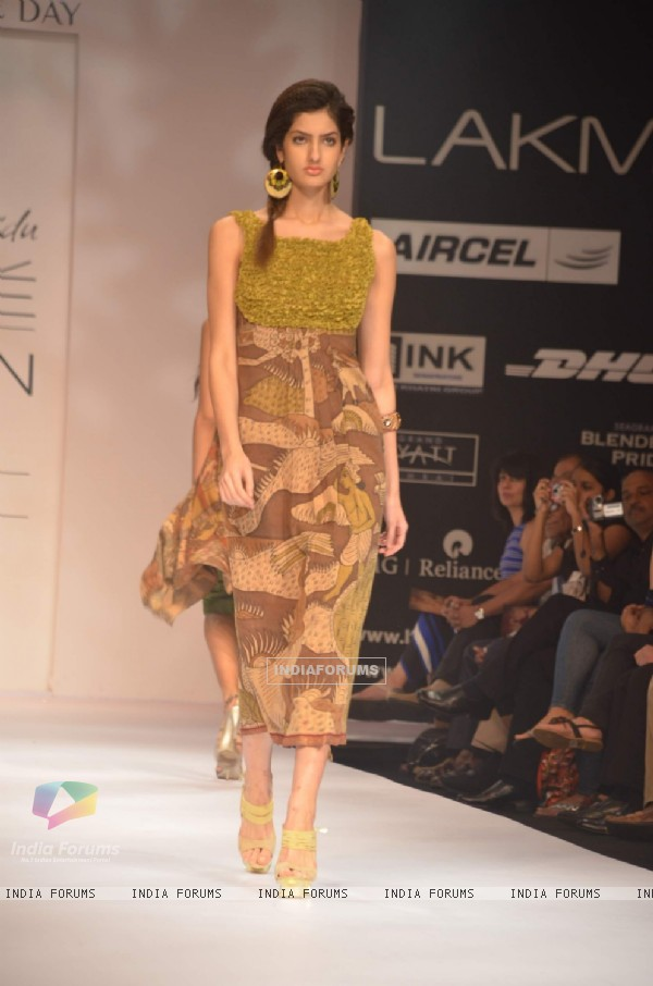 Model on the ramp for designer Shashikant Naidu on Lakme Fashion Week day 3 in Mumbai.