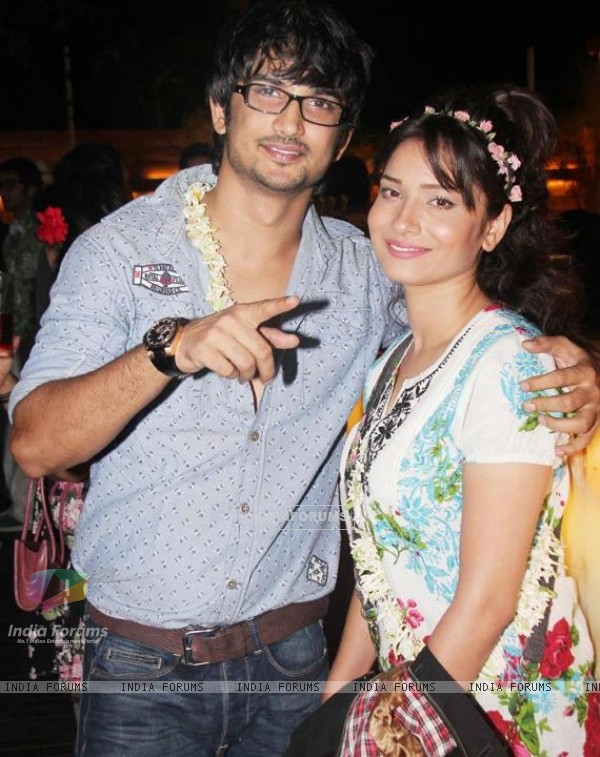 Sushant Singh Rajput and Ankita Lokhande at Nandish's birthday party