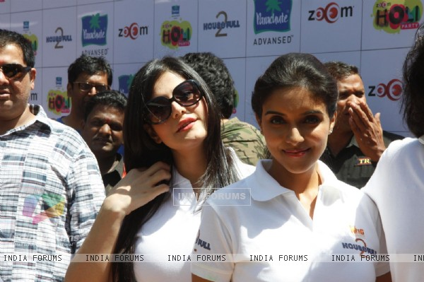 Zarine Khan and Asin at at Zoom Holi bash