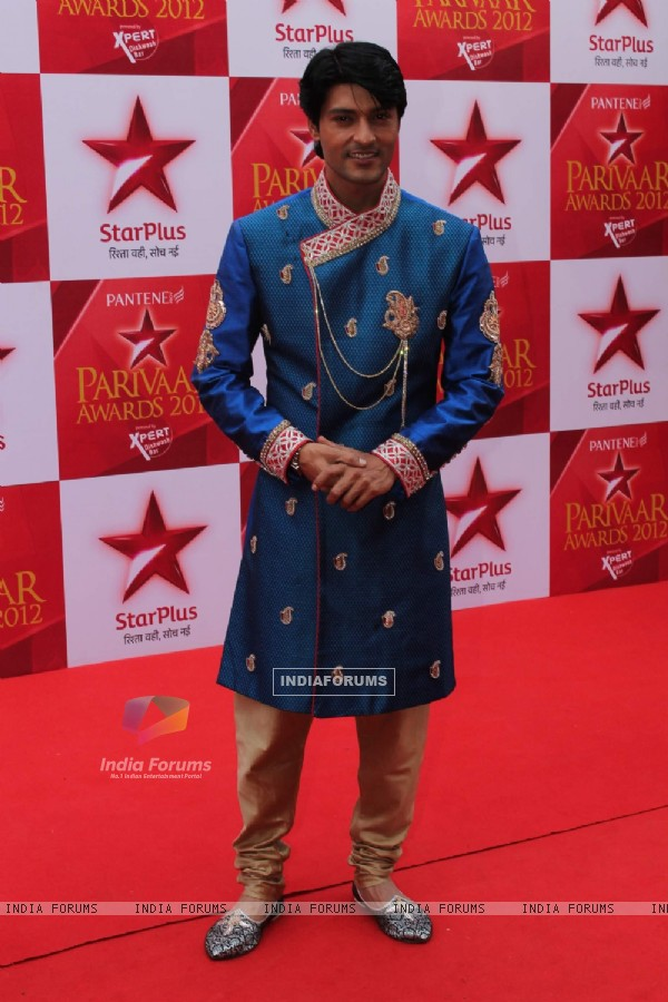 Anas Rashid at STAR Parivaar Awards.