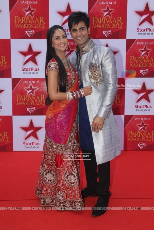 Karan Tacker and Krystal Dsouza at STAR Parivaar Awards Red Carpet