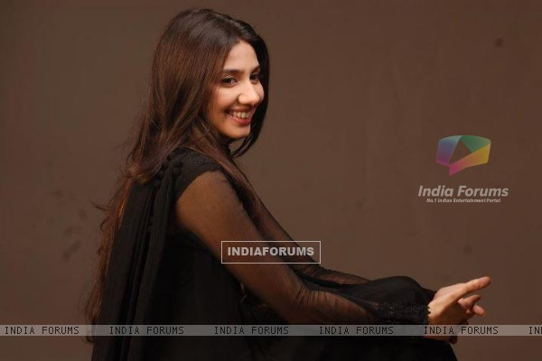 Mahira Khan Photoshoot for Humsafar