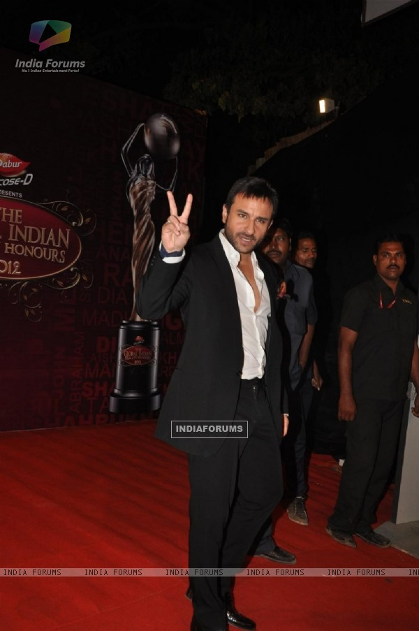 Saif Ali Khan at Global Indian Film & TV Honours Awards 2012