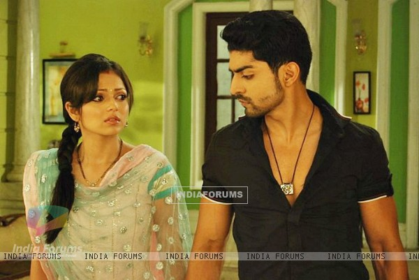 Gurmeet and Drashti From Geet Hui Sab se Parayi