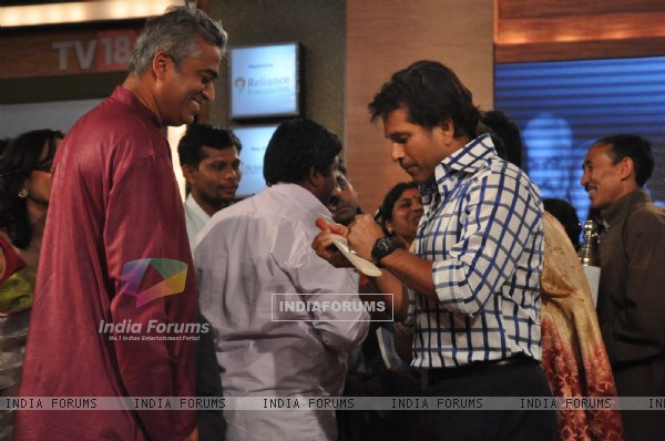 Rajdeep Sardesai and Sachin Tendulkar at CNN IBN Heroes Awards