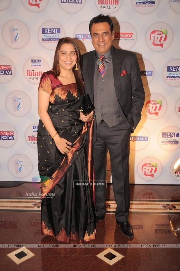 Boman Irani with wife Zenobia at Times Now Foodie Awards 2012 (190171)