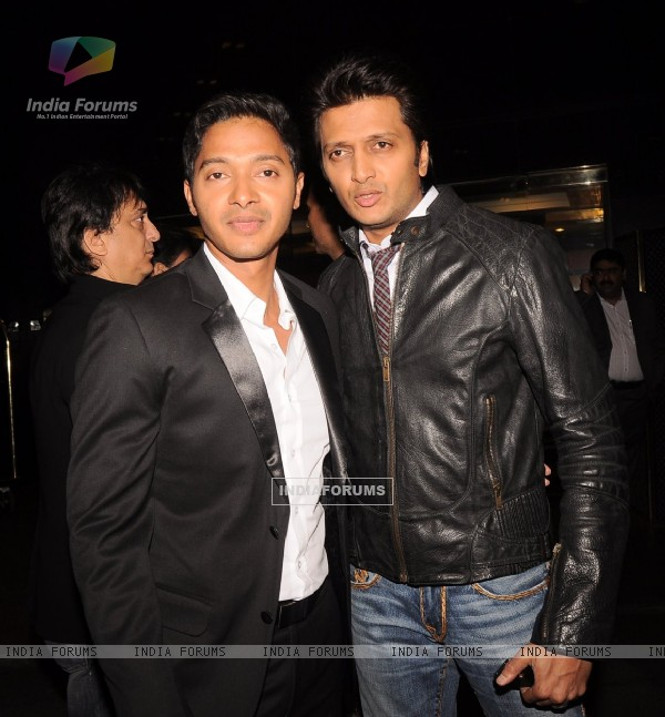 Shreyas Talpade and Ritesh Deshmukh at Times Now 'The Foodie Awards'