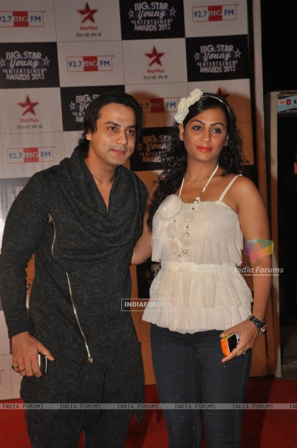 Saillesh Gulabani & Ashita Dhawan Gulabani at BIG STAR Young Entertainer Awards 2012