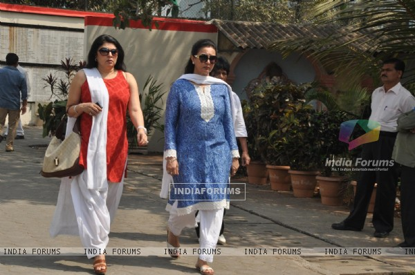 Kiran Juneja and Poonam Dhillon at Mona Kapoor's funeral at Pawan Hans