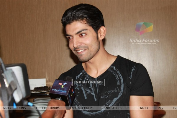 Gurmeet Choudhary at Shashi-Summit succes party for their shows