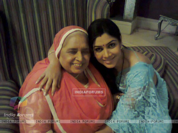 Rajinder Kaur Manchanda and Saakshi Tanwar on sets on Bade Acche Lagte Hai