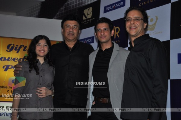 Anu Malik, Sharman Joshi and Vidhu Vinod Chopra at premiere of film Parinda at PVR