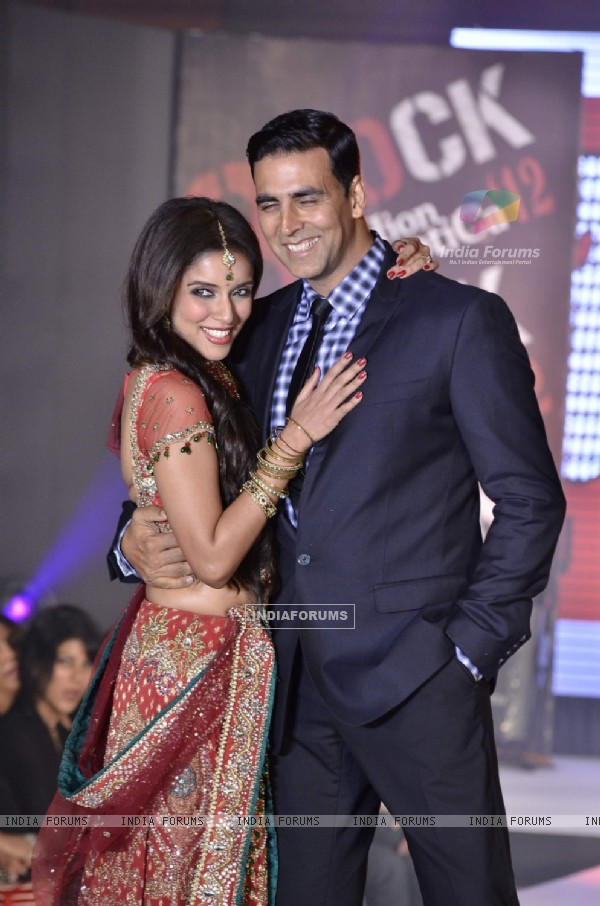 Akshay Kumar and Asin at fashion show