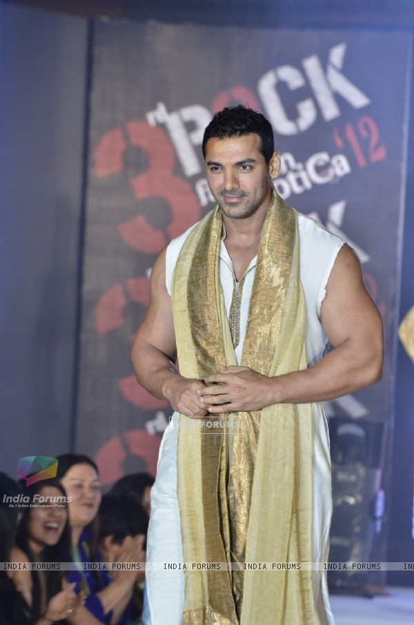 John Abraham of Housefull 2 at fashion show