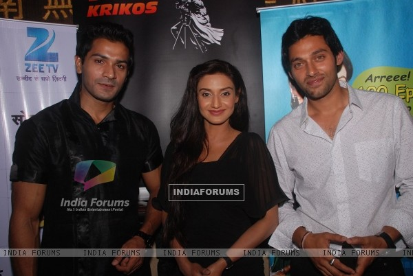 Mrunal Jain, Rati Pandey and Sumit Vats at celebration of 100 episodes of Hitler Didi