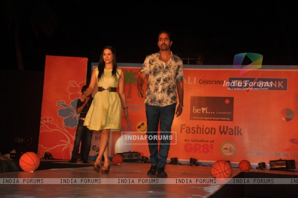 http://img.india-forums.com/images/600x0/192171-gr8-fashion-walk-for-the-cause-beti-by-television-sitarre-at-su.jpg