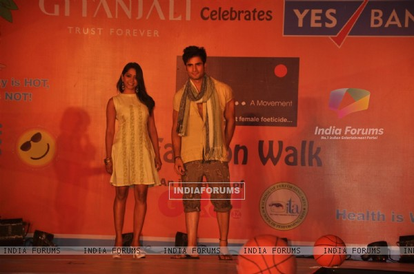 Yashashri Mashurkar and Karan Tacker at GR8! Fashion Walk for the Cause Beti by Television Sitarre