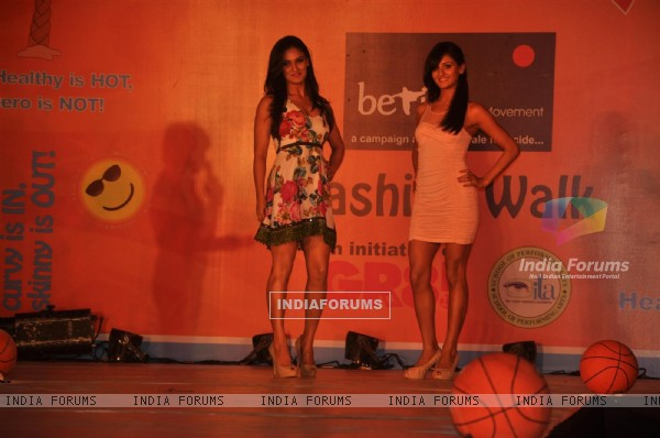 Shakti Mohan and Mukti Mohan at GR8! Fashion Walk for the Cause Beti by Television Sitarre