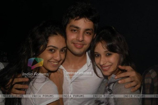 Himansh Kohli, Heli Daruwala and Abigail Jain at Humse Hai Life party