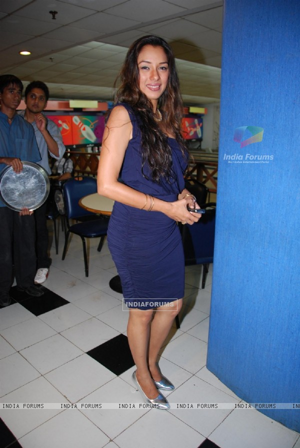 Rupali Ganguly at 100 episodes celebration of Parvarish kuch khatti kuch meethi