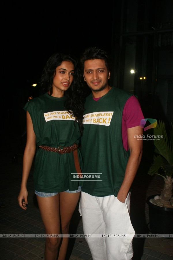 Ritesh Deshmukh & Sarah Jane Dias at the first look launch of film Kyaa Super Kool Hain Hum
