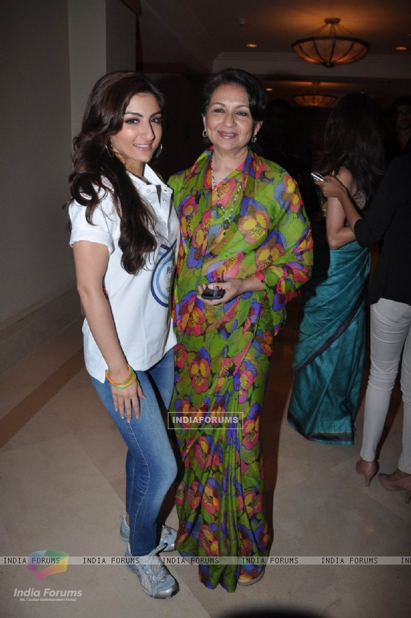 Soha Ali Khan with her mother Sharmila Tagore at P&G Thank You Mom campaign launch