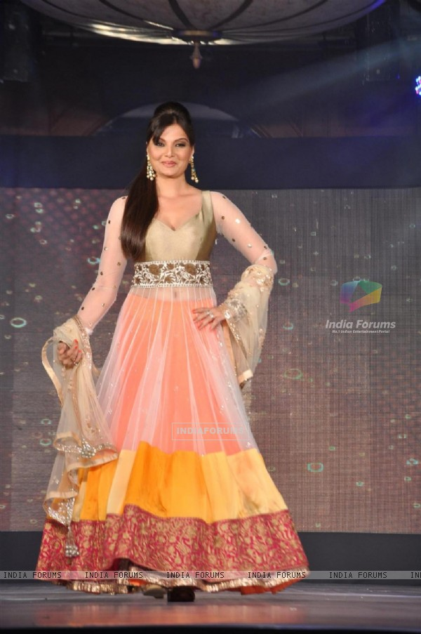 Deepshikha at Lilavati's 'Save & Empower Girl Child' show