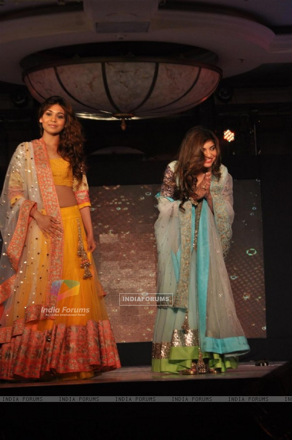 Syesha Kapoor and Alka Yagnik at Lilavati's 'Save & Empower Girl Child' show