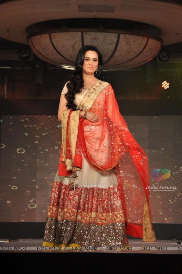 Padmini Kolhapure at Lilavati's 'Save & Empower Girl Child' show