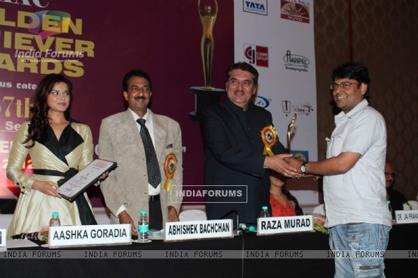 Aashka Goradia, Raza Murad at the Golden Achievers Awards